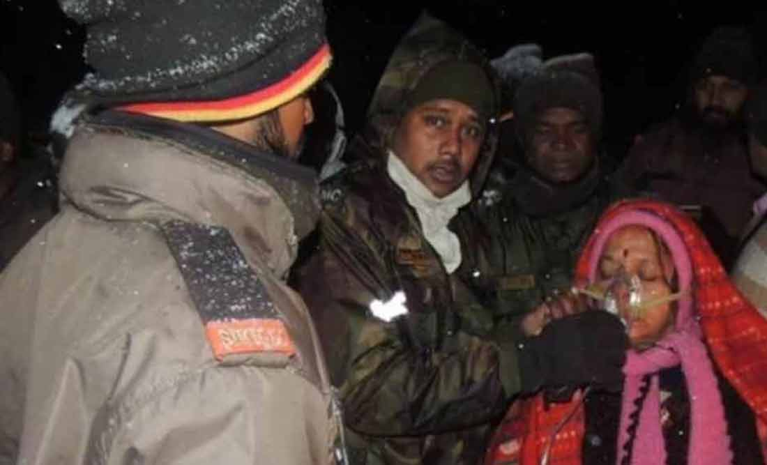 army-rescues-tourists-from-sikkim