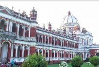 চলো করি বিহার কোচবিহার – পর্ব ১/ হাঁ করে দাঁড়িয়ে প্যালেসের সামনে
