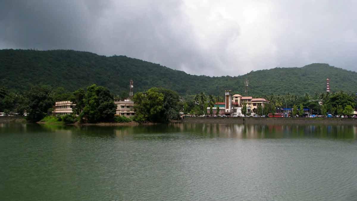 চেনাবৃত্তের বাইরে: পশ্চিমঘাটের কোলে সাওয়ন্তওয়াড়ী